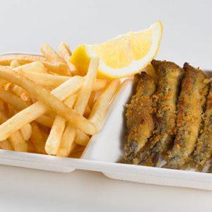 pesce-azzurro-grigliata-azzurra-patate-fritte